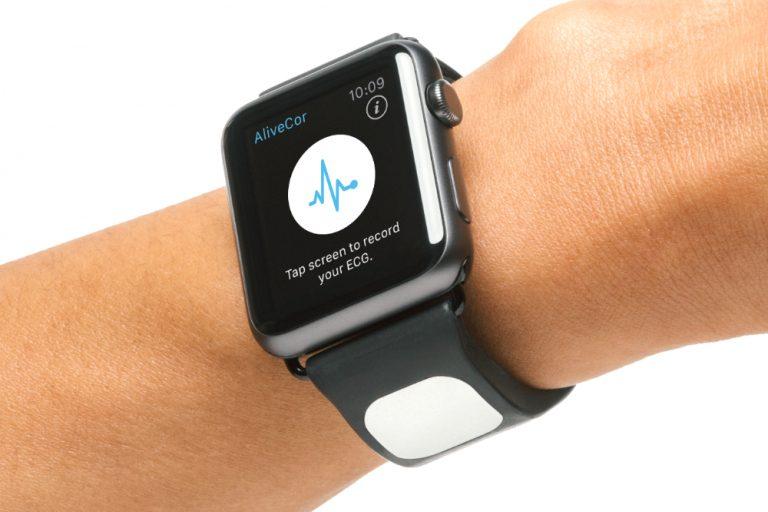 นาฬิกาตรวจโรคหัวใจ ECG