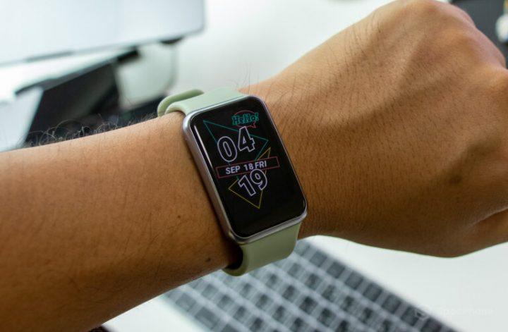 Huawei รุ่น Watch Fit