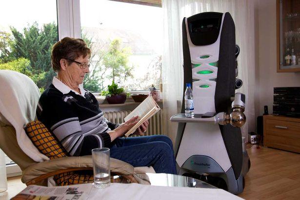เทคโนโลยีหุ่นยนต์ เพื่อผู้สูงอายุ-Care-O-Bot