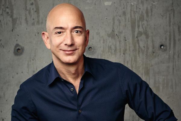 Jeff Bezos ได้ตัดสินใจก้าวลงจากตำแหน่ง CEO Amazon